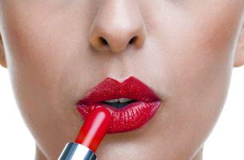 red-lipstick-lady