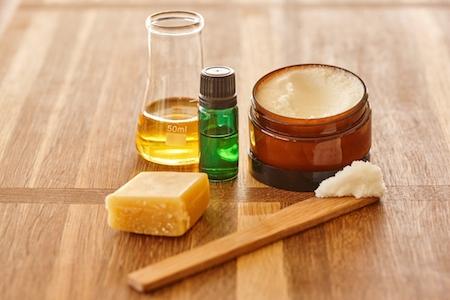 Recipe: Macadamia Oil Lip Balm